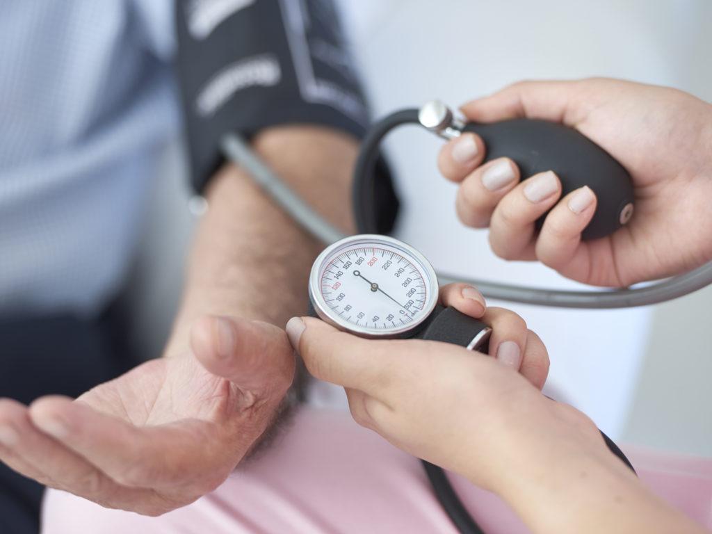 грыжа пищевода желудка лечение